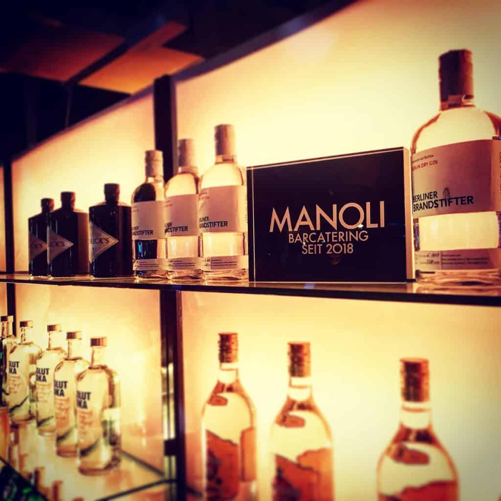 Gin Flaschen Manoli Bar Brandstifter Berlin Dry Gin